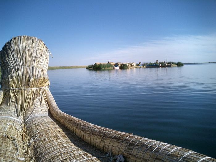 Всего на озере Титикака сейчас насчитывается 40-60 островов