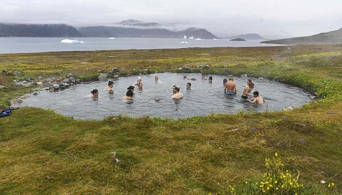 Горячие источники на острове Uunartoq (Южная Гренландия)