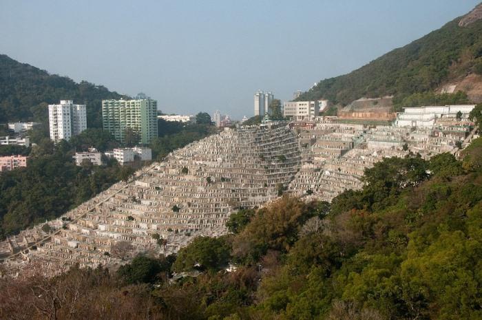 Кладбище Pok Fu Lam в Гонконге.