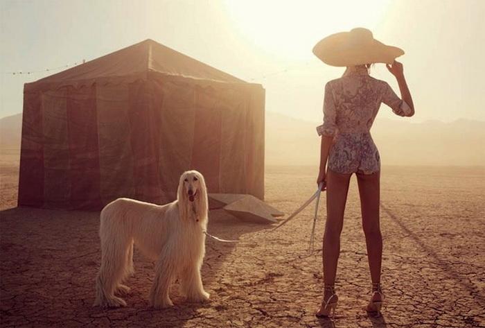 Китаянка и бродячий цирк. Необычная фотосессия Уилла Дэвидсона для журнала Vogue