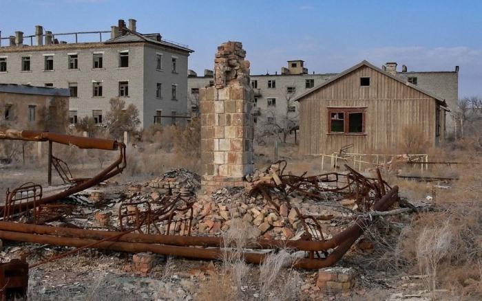 Руины Аральска-7.
