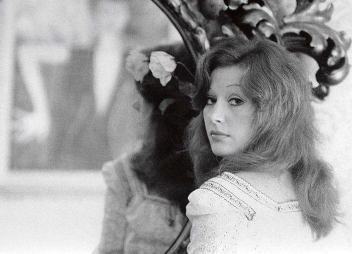 Алла Пугачева - исполнительница песни «Все могут короли» .
