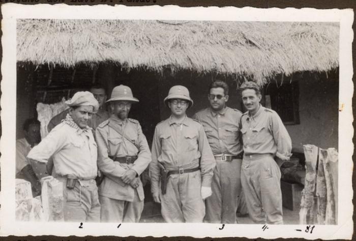 Генерал Беляев (второй слева) с парагвайскими офицерами. Фото: lenta.ru