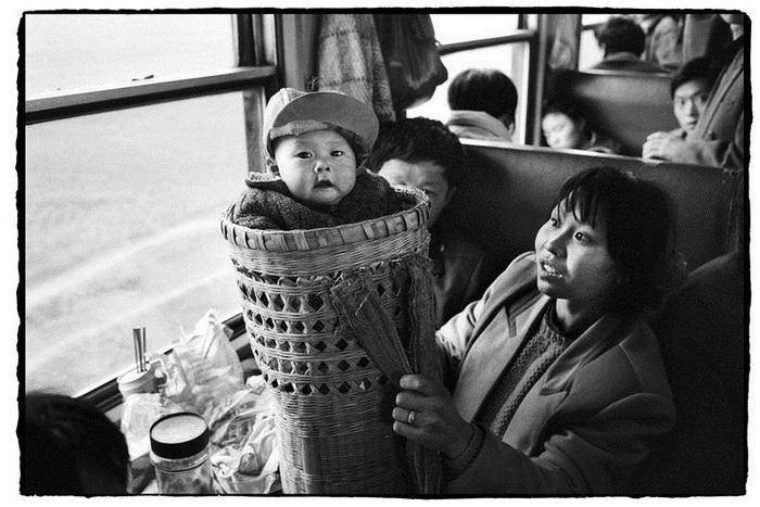 Документальный фотоцикл о *жизни* китайских поездов от Wang Fuchun
