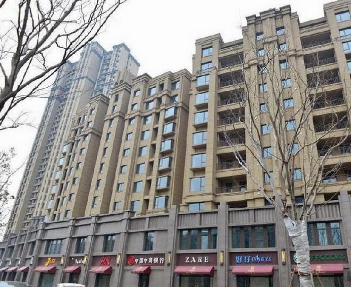 Улица подделок в Уси (Китай)