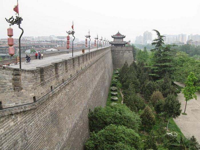 Древняя оборонительная стена построена в 14 веке