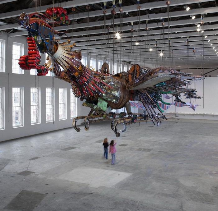 Скульптурная инсталляция китайского художника Xu Bing символизирует экономическое развитие Китая