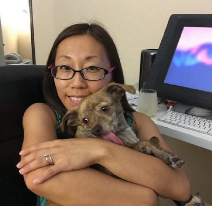Иллюстратор Yaoyao Ma Van As в компании со своим псом.