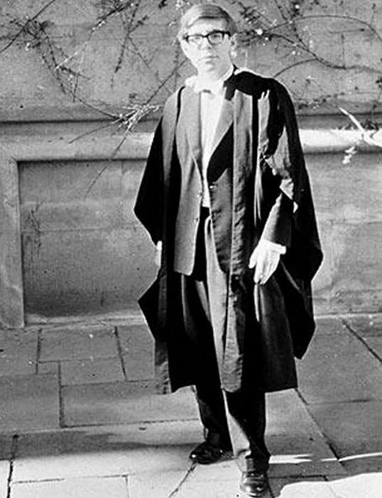 Стивен Хокинг - выпускник Оксфорда, 1962 год.