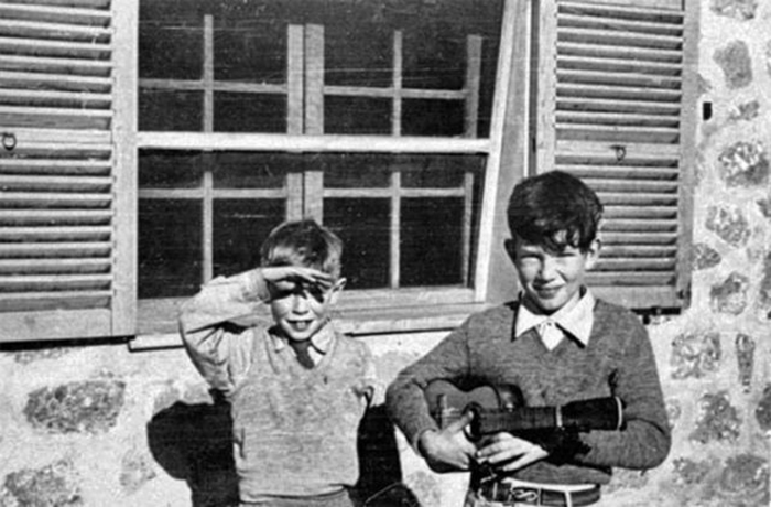 Стивен Хокинг с Уильямом Грейвсом, 1951 год.