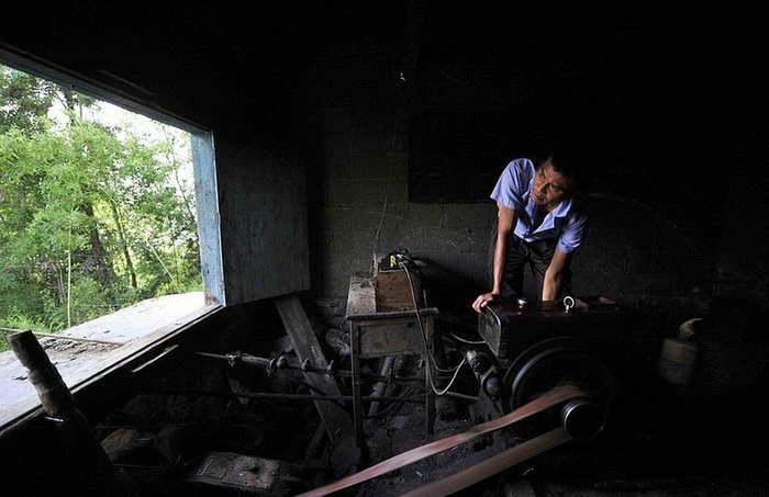 Zhang Xinjian уже 15 лет обеспечивает работу канатной дороги