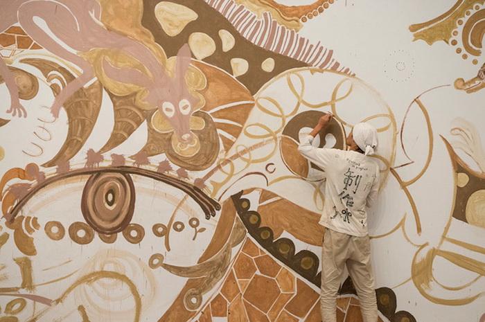 Юсуке Асаи в процессе работы