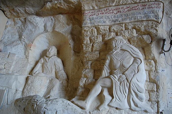 Пещерная церковь построена в честь Святого Симеона