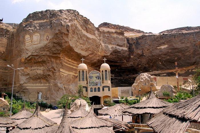 Пещерная церковь заббалинов в Каире