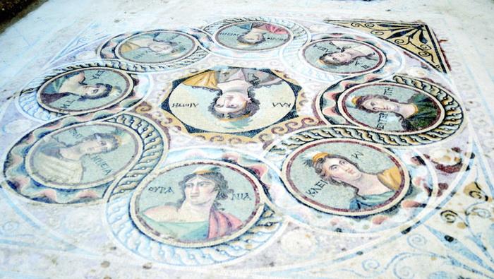9 муз: богини литературы, науки и искусства