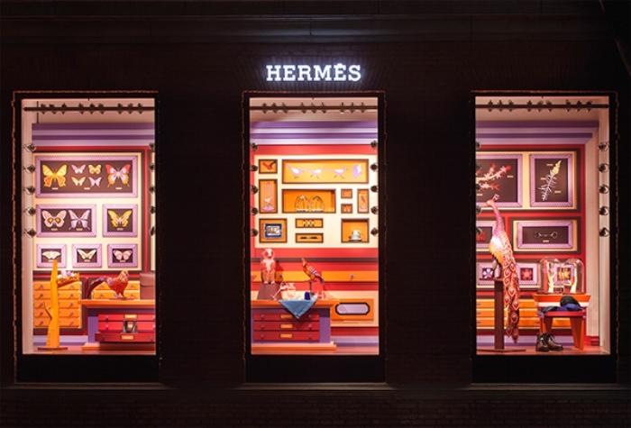 Витрина магазина Hermes