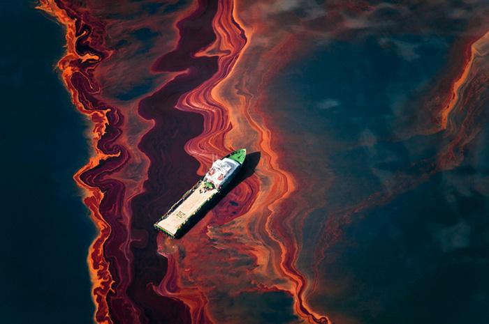Экологическая катастрофа, о которой умалчивают СМИ, на уникальных фотографиях проекта *Spill*