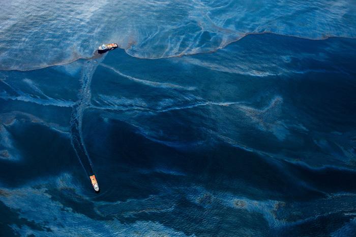 """Экологическая катастрофа, о которой умалчивают СМИ, на уникальных фотографиях проекта """"Spill"""""""