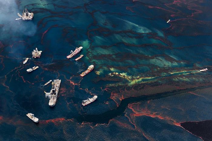 «Spill» - серия фотографий, посвященных экологической катастрофе