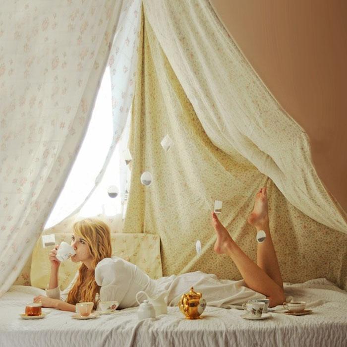 Автопортрет Лисси Элли с чайными пакетиками