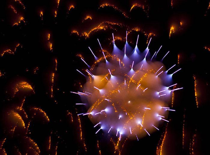 Длинная экспозиция при съёмке фейерверков на снимках Дэвида Джонсона(Long Exposure Firework Photographs by David Johnson)