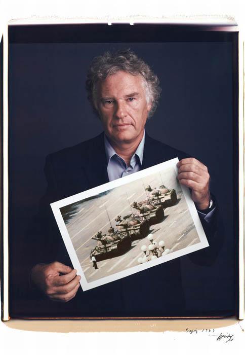 Jeff Widener и *неизвестный бунтарь* в проекте Behind Photographs