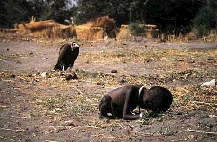 *Голод в Судане* - cерия фотографий, за которую Кевин Картер получил Pulitzer Prize в 1994