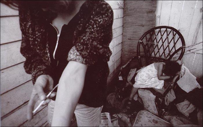 Серия фотографий детей родителей-наркоманов Кларенса Уильямса (1998)
