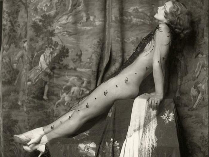 *Девушки Зигфильда* фотографии в стиле ню 1920 года