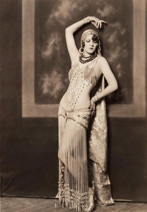 *Девушки Зигфильда* - фотографии в стиле ню 1920 года от Чейни Джонстона