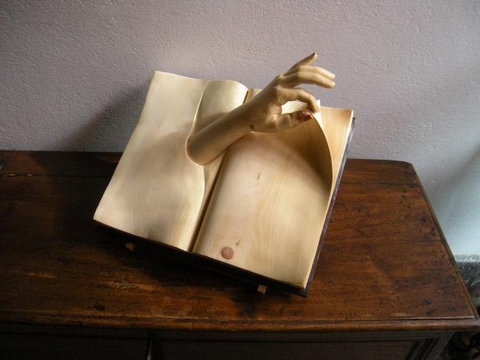 Книжных дел мастер: Nino Orlandi