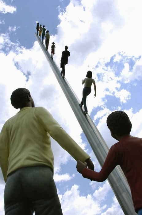 Шагаем на небеса: скульптура Джонатана Борофски