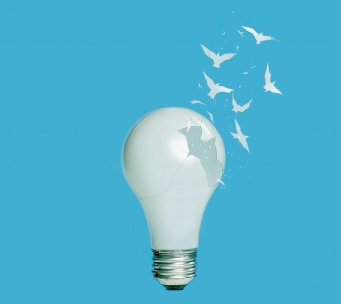 Брок Дэвис: креатив с разбитой лампочкой