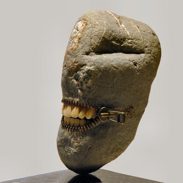 Каменный человек от Hirotoshi Itoh