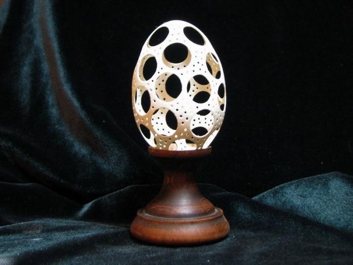 Работа из гусиного яйца