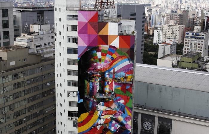 Работа Эдуардо Кобры - посвящение Оскару Нимейеру