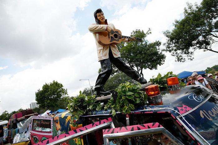 The Art Car Parade: ежегодное состязание создателей экстравагантных автомобилей