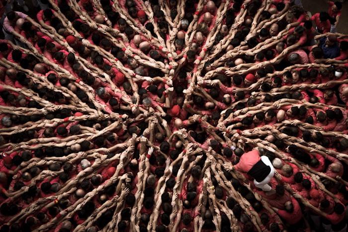 Фестиваль «Состязание башен» (Concurs de Castells) на фотографиях Дэвида Ольете (David Oliete).