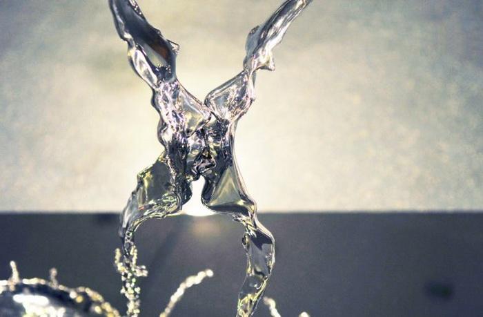Скульптура ''Yuanyang'' Джонсона Тсанга (Johnson Tsang)