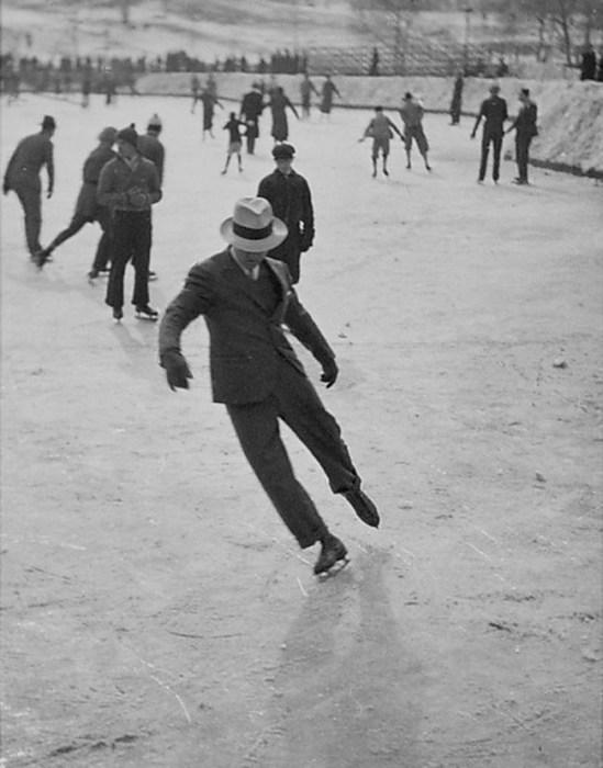 Оригинальный подход к проявлению своей индивидуальности на льду.