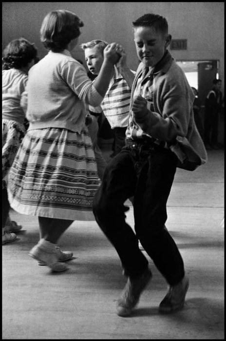 Оригинальный танец американских подростков.