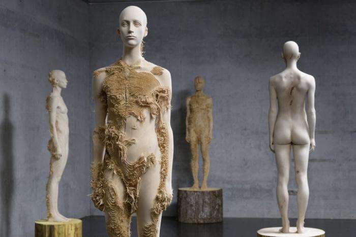 «The Tainted» –  запятнанная репутация человечества в скульптурах Aron Demetz