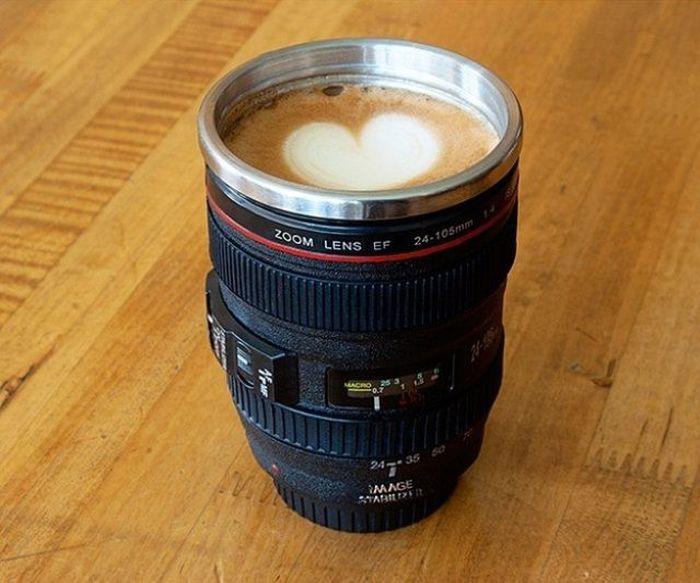 Настоящие профи не расстаются с любимыми «эльками» даже в перерыве на кофе.