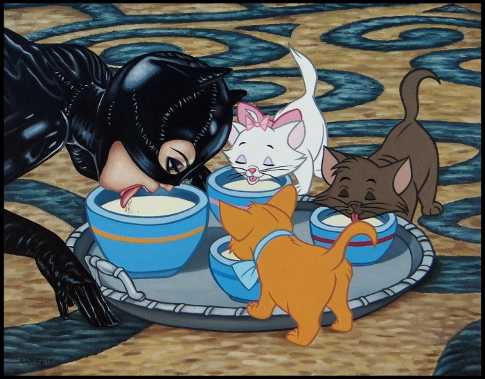 Женщина-кошка в своей стихии.