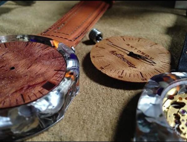 Наручные часы от Holloway Eyewear из кофейных капсул и других экологичных материалов