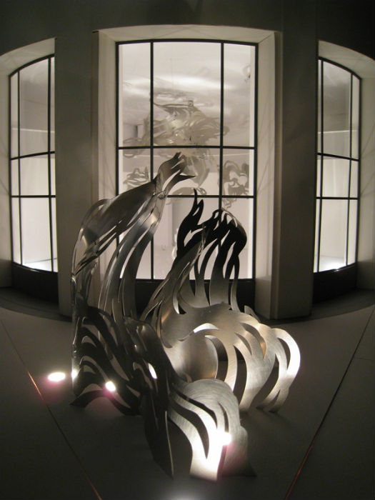 «UPLIFT» («ПОДЬЁМ») - новая оригинальная скульптура американской художницы