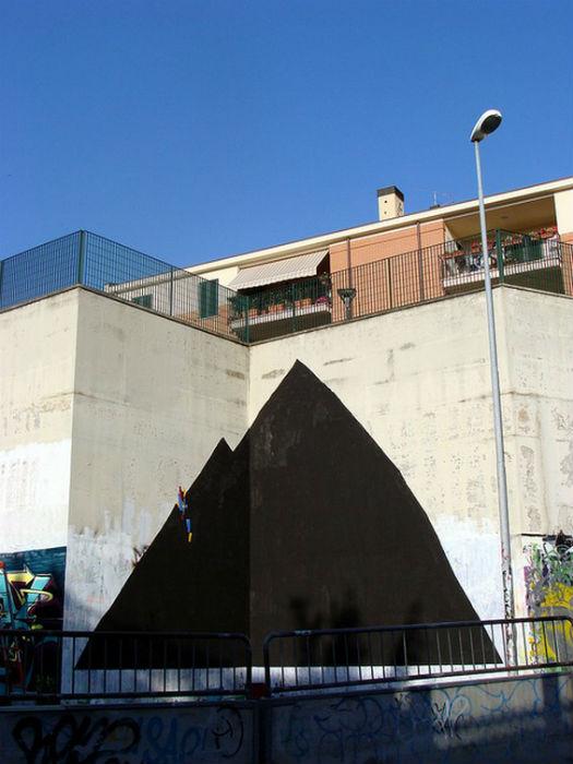 Простой и лаконичный арт в городской среде