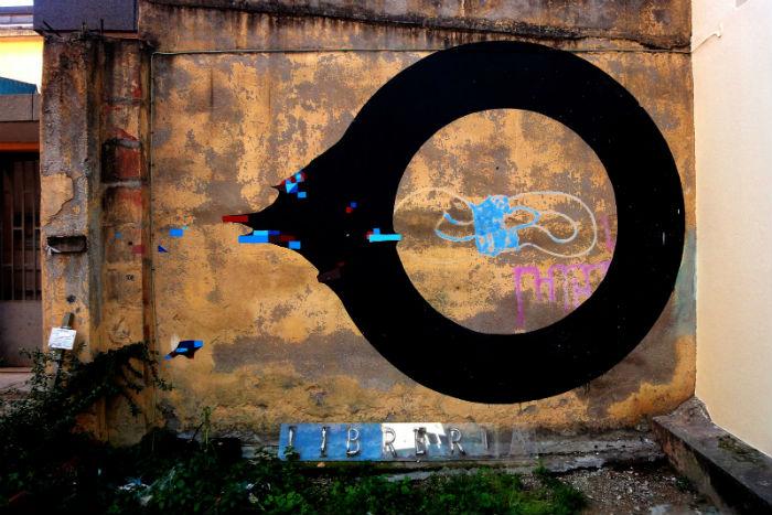 Лаконичный стрит-арт от итальянского художника