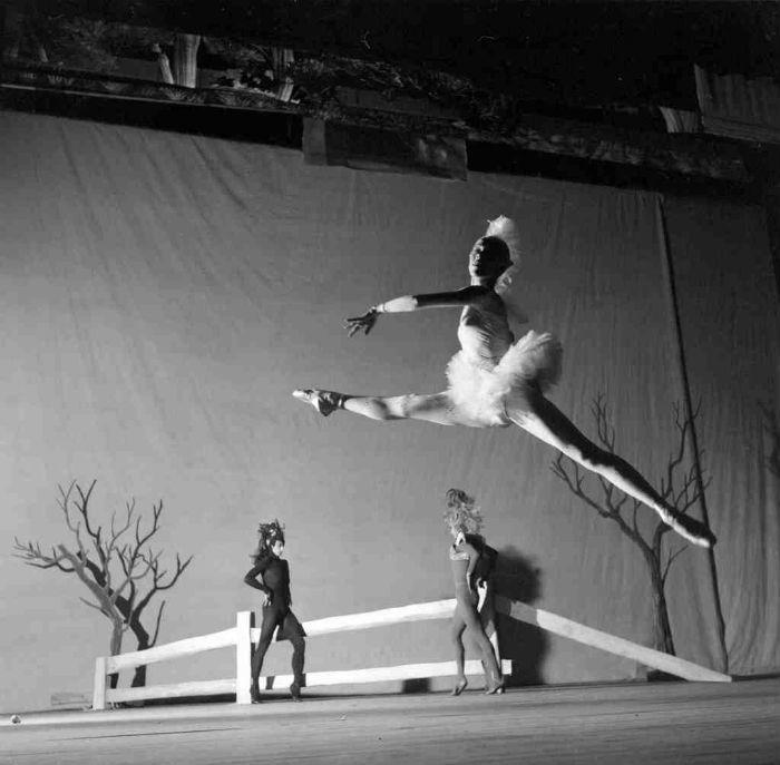 В детстве маленький Риццо брал уроки танцев, и, кажется, был способен понимать это искусство изнутри