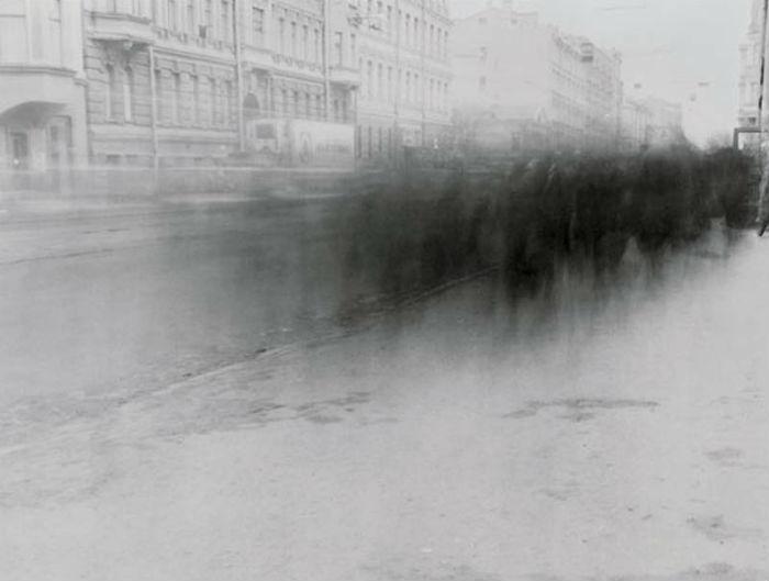 Алексей Титаренко ещё в далёкие 90-е годы создал запоминающийся цикл снимков о Ленинграде